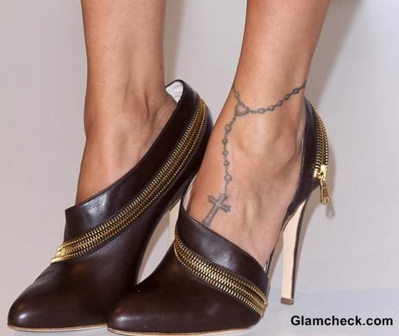 Nicole Richie feet tattoo