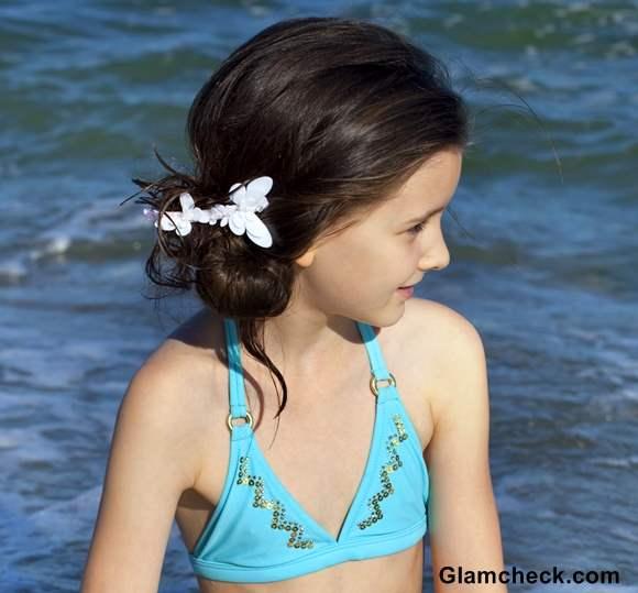 Beach Hairstyle Ideas little Girls flower ponytail