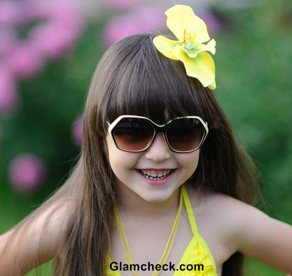 Beach hairstyle kids flower