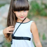 Little girls hairstyle blunt bangs ponytail