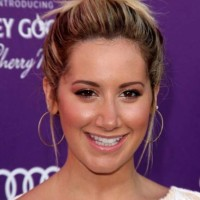 Ashley Tisdale Sports Quirky Top Bun