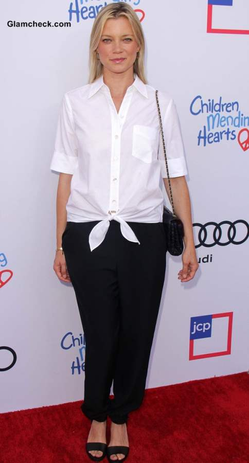 Knotted White Shirt 2013 Amy Smart