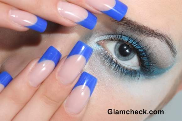 Blue nail art French Manicure