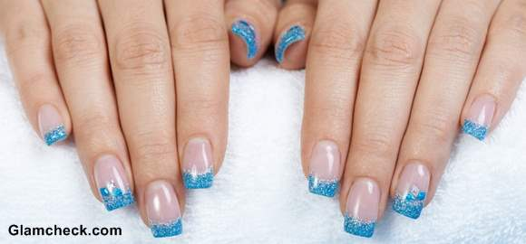 Blue nail art Glitter nail polish