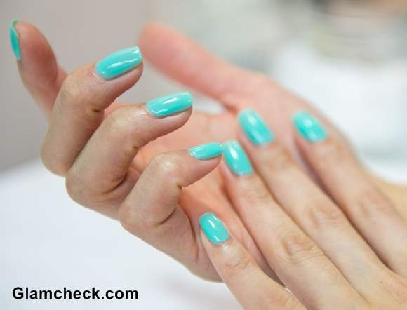 Blue nail art turquoise nail polish