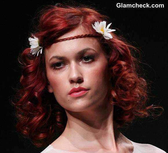Boho Hairstyle DIY – Braid and Flower Forehead Band