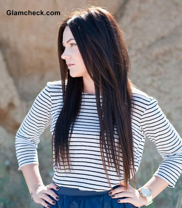 Rock the Look - Wearing striped top with short skirt