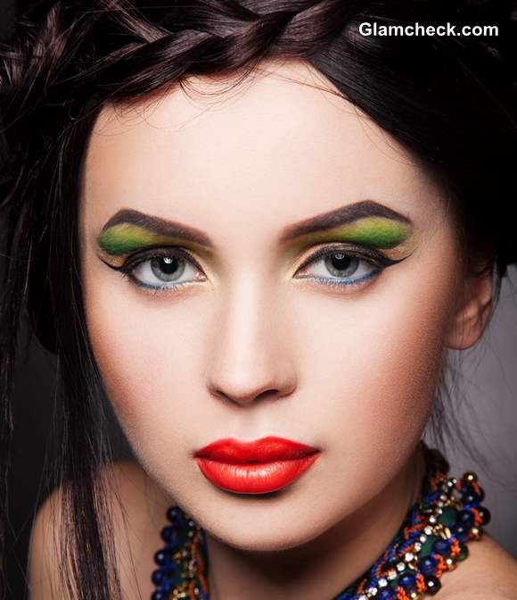 Tropical makeup look for women