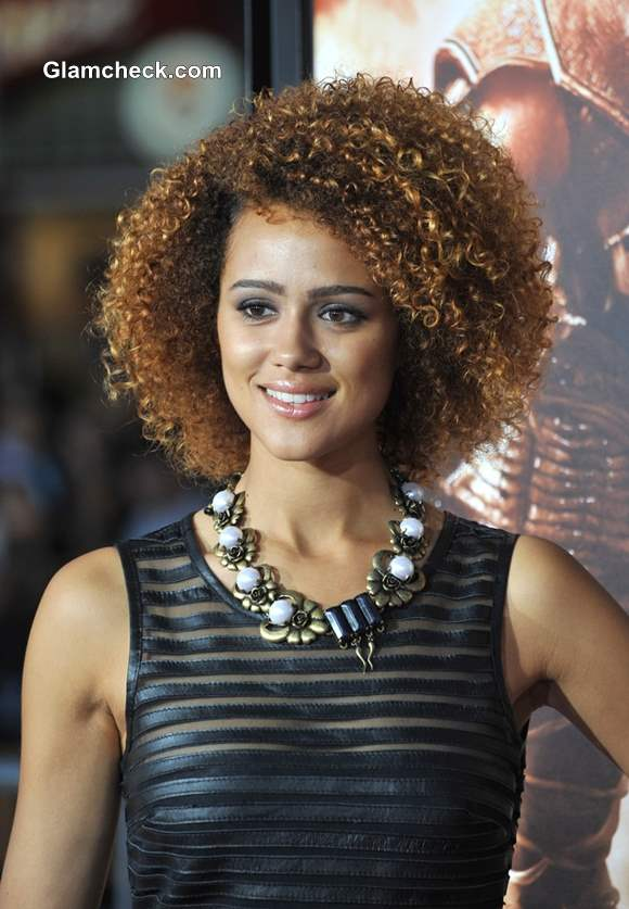 Nathalie Emmanuel Shows Bouncy Perms at the World Premiere of Riddick