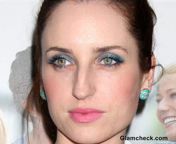 Pink blue makeup Zoe Lister-Jones 2013