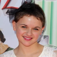 Side Bow Hairstyle for Little Girls with Short Hair Joey King