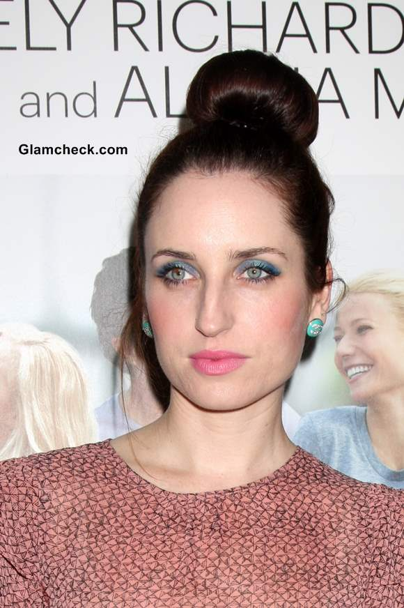 Top Ballerina Bun Zoe Lister-Jones 2013