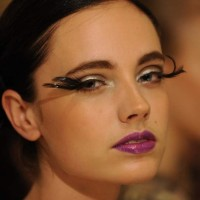 Eye Makeup Trend S-S 2014 – Dramatic Feather Eyelashes