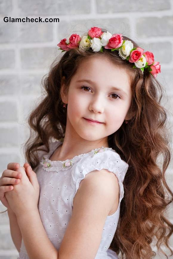 Flower Wreath Hairstyles for Flower Girls 838d117bfb8