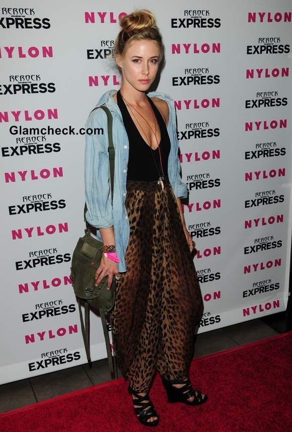 Gillian Zinser style inspiration How to Wear a Denim Shirt with Harem Pants