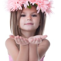 Little girls hairstyle Flower Wreath Hairstyles for Flower Girls