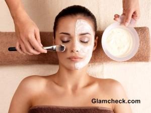 Moisturizing Milk and Banana Face Mask