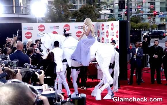 American Music Awards 2013 Lady Gaga Horses Around