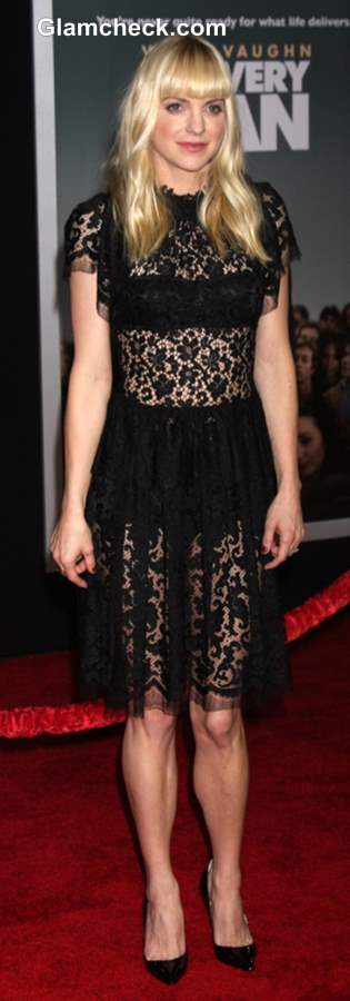 Sheer Factor Anna Faris In Dolce And Gabbana At