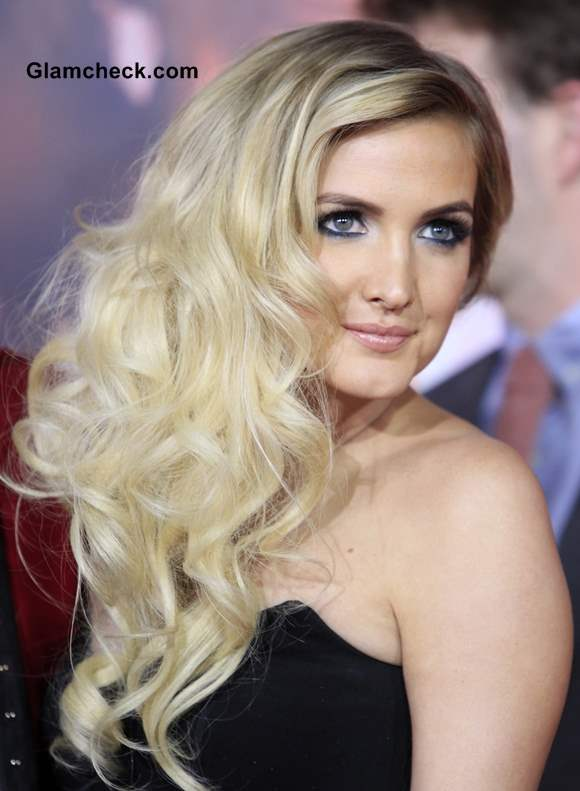 Ashlee Simpson Blonde Hair and Makeup 2013 at The Hunger Games Premiere