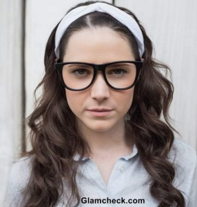 Everyday College Look – Working It with Hair Band and Glasses