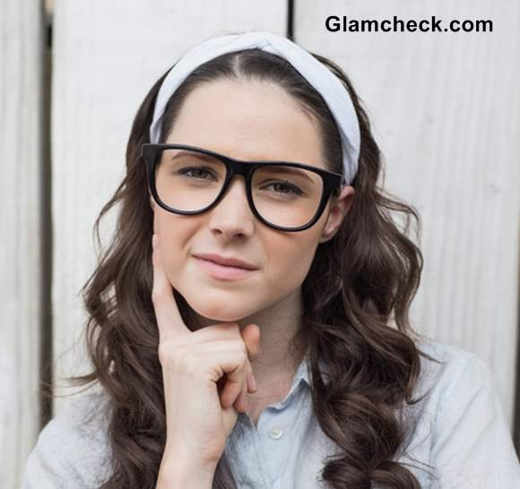 Everyday College Look for Girls Working It with Hair Band and Glasses