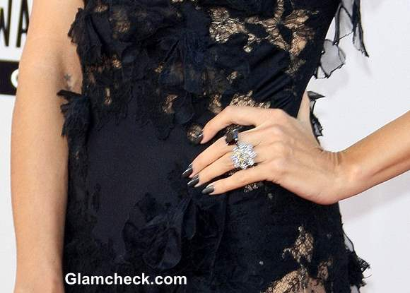 Heidi Klum Black Manicure at AMA 2013