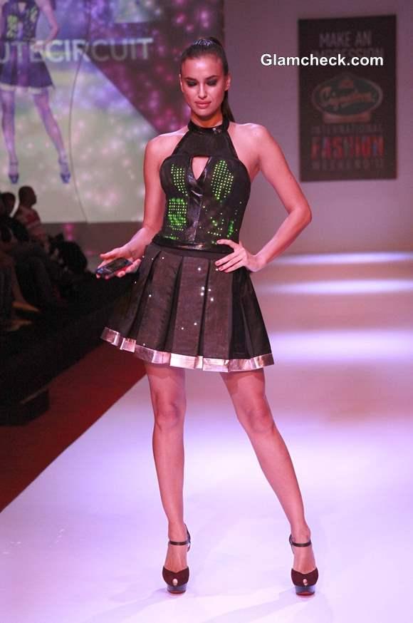 Irina Shayk at SIFW 2013 Pictures
