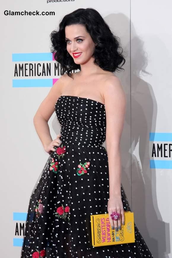 Katy Perry in Oscar de la Renta at AMA 2013