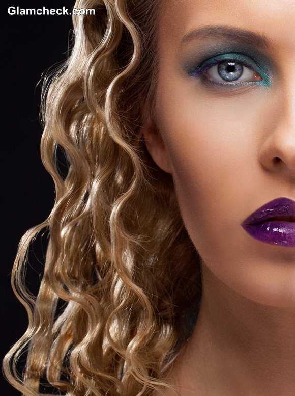 Makeup oomph bombshell