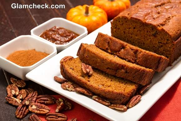 Thanksgiving dishes Sliced pecan pumpkin bread