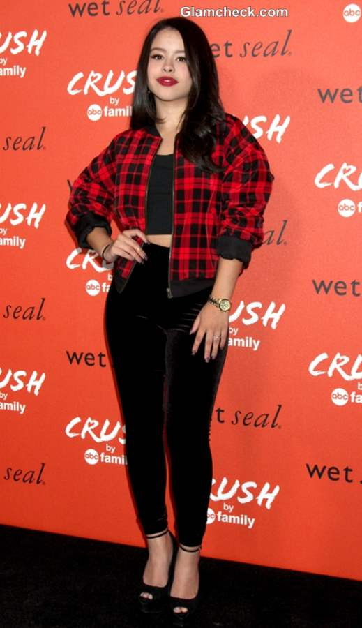 Wear Cropped Tops with Plaid  like Cierra Ramirez
