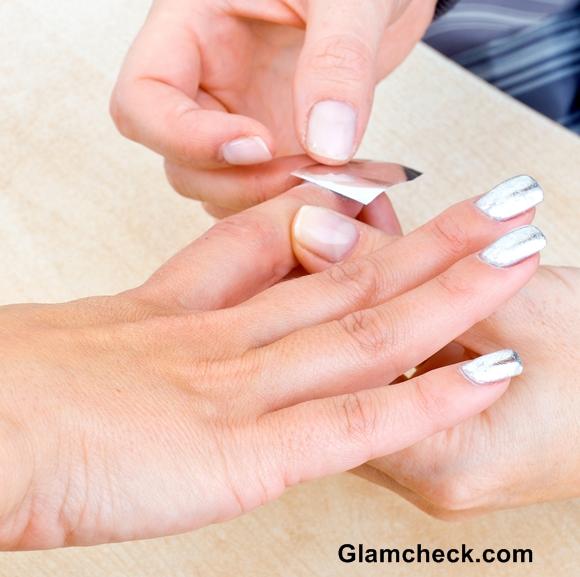 Christmas nail art silver nails