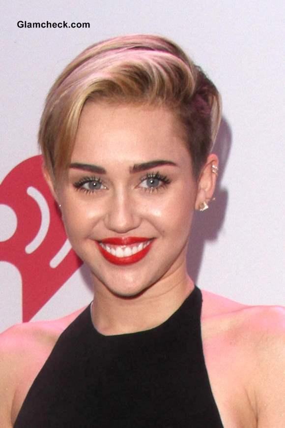 Miley Cyrus at 2013 KIIS FM Jingle Ball