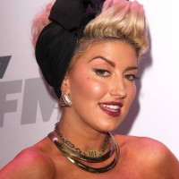 Neon Hitch in a 50s pin up hairdo