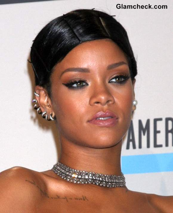 Rihanna at AMA 2013
