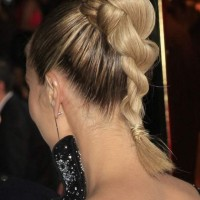 Heidi Klum in a Double Twisted Ponytail at the Peoples Choice Awards 2014