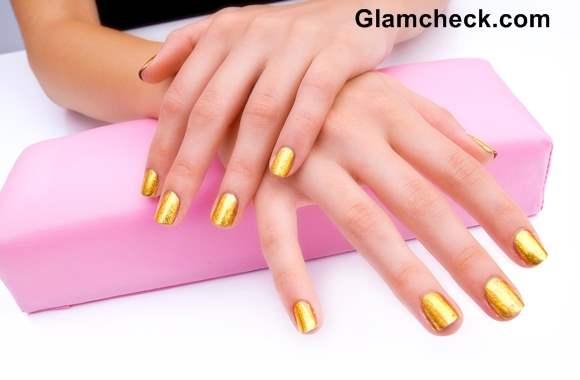 Golden Nail Art DIY