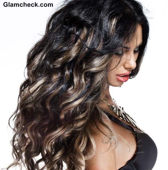 Dark Curly Hair With Blonde Highlights Techno tribal hair color trend ...