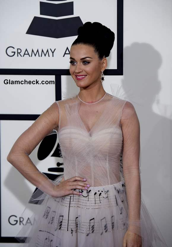Katy Perry Wows in Valentino Gown at 59th Grammy Awards