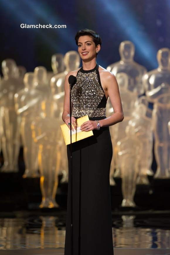 Anne Hathaway in Gucci Gown at Oscars 2014