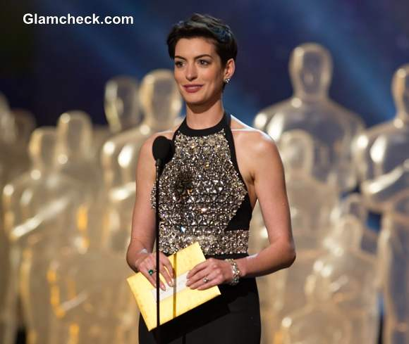 Anne Hathaway in Gucci at Oscars 2014