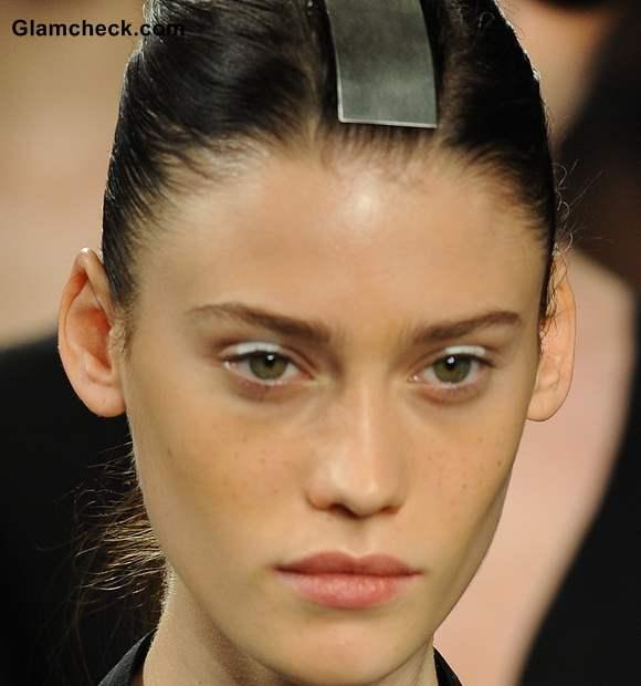Makeup how to White Eyeshadow
