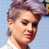 Kelly Osbourne New Pixie Mohawk at Radio Disney Music Awards 2014
