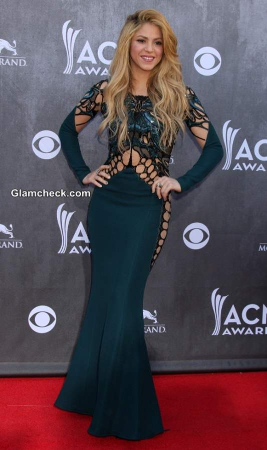 Shakira in Zuhair Murad at 2014 Academy of Country Music Awards