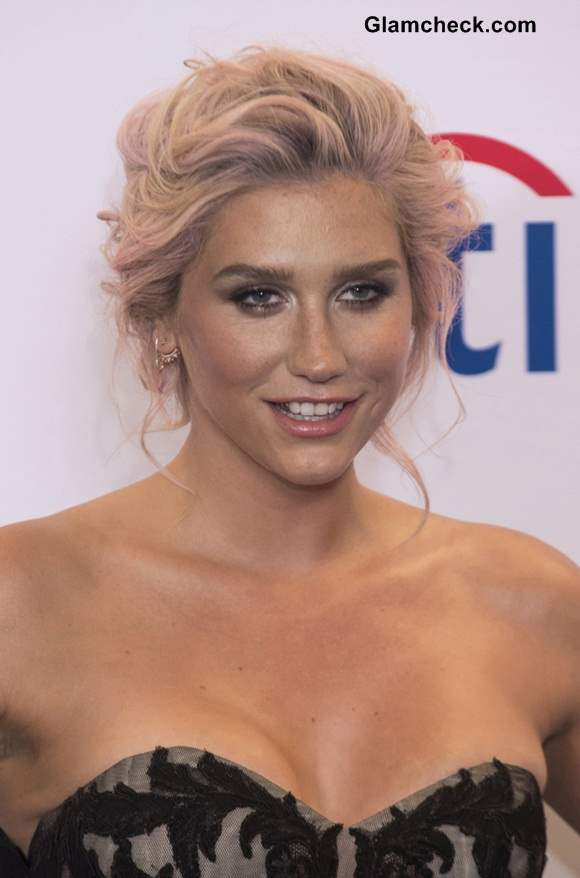 Kesha Hair Color 2014 Billboard 2014 Music Awards