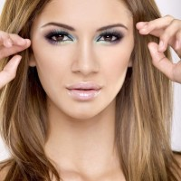 Eye Makeup Ideas - Look Hot in a 80s style Eye Makeup
