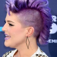 Kelly Osbourne Hair color bright lilac-purple Mohawk