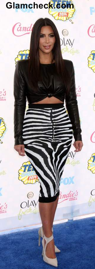 Kim Kadarshian in a Leather Crop top 2014 Teen Choice Awards
