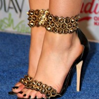 f24b94b6391f Celeb Footwear to watch out for – at the 2014 Teen Choice Awards Press Room